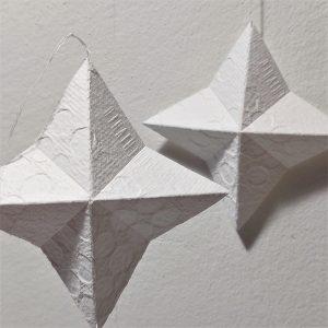 pilkku-paperitähti-joulukoriste